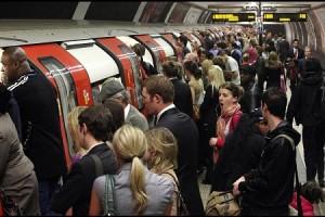 london-underground-passengers-train